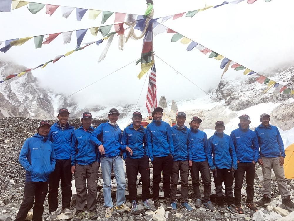 bc-sherpa-summiters2016_aj